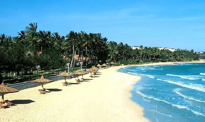 Tạp chí Forbes viết về 10 bãi biển đẹp nhất Việt Nam - Tổng cục Du lịch Việt Nam - Ảnh 1.