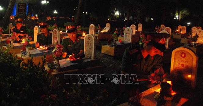 Xúc động chương trình 'Cung đường bất tử' tại Nghĩa trang Liệt sỹ Quốc gia Đường 9 - Ảnh 2.
