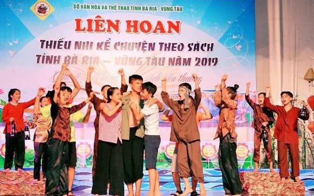 """Học sinh Côn Đảo lan tỏa văn hóa đọc qua """"Những trang sách yêu thương"""""""