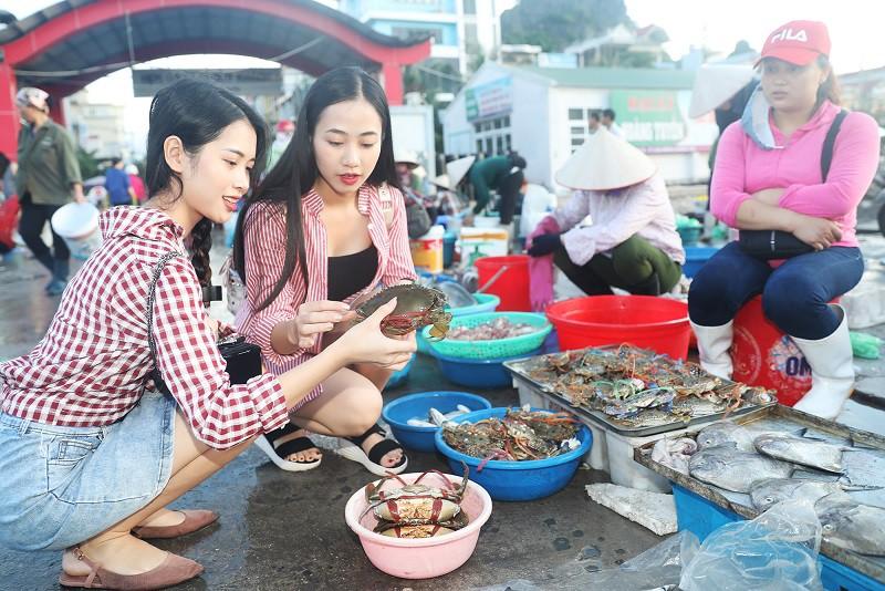Theo chân hot girl Trang Hime khám phá Vân Đồn - Ảnh 6.