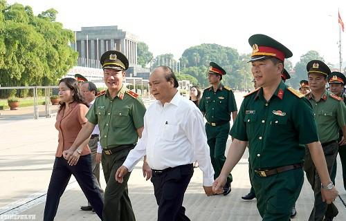 Thủ tướng kiểm tra Công trình, khu vực Lăng Chủ tịch Hồ Chí Minh - Ảnh 3.