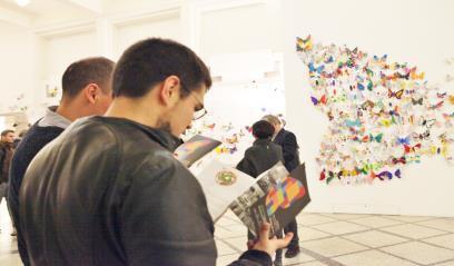 Hơn 1300 cánh bướm của trẻ khuyết tật khắp thế giới trưng bày tại Hà Nội - Ảnh 2.