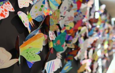 Hơn 1300 cánh bướm của trẻ khuyết tật khắp thế giới trưng bày tại Hà Nội - Ảnh 6.