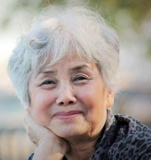 Bùi Kim Anh - người đàn bà giấu nỗi buồn vào thơ - Ảnh 1.