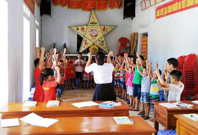 Sinh viên mở lớp dạy tiếng Anh miễn phí cho học sinh dịp hè - Ảnh 3.