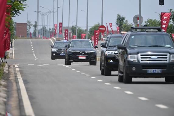 """Thủ tướng Malaysia Mahathir Mohamad: """"Xe VinFast rất khỏe, thiết kế đẹp, êm như xe điện"""" - Ảnh 10."""