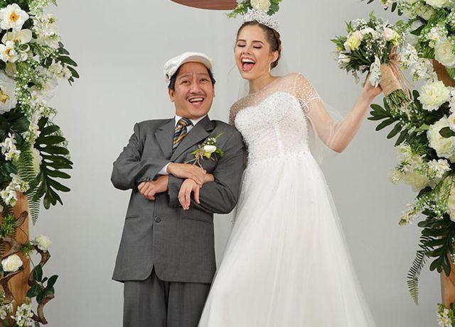 Trường Giang bất ngờ tung ảnh ảnh lạ, tổ chức đám cưới với vợ Tây ở Mỹ? - Ảnh 2.