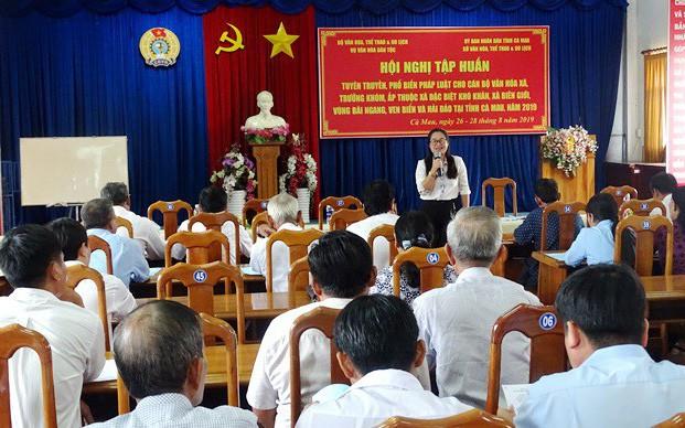 Tuyên truyền, phổ biến pháp luật về công tác văn hóa dân tộc tại Cà Mau