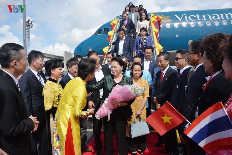 Chủ tịch Quốc hội thăm và làm việc tại tỉnh Udon Thani, Thái Lan - Ảnh 2.