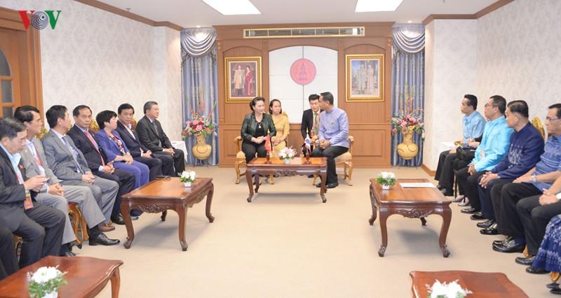 Chủ tịch Quốc hội thăm và làm việc tại tỉnh Udon Thani, Thái Lan - Ảnh 3.