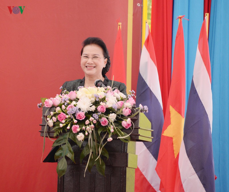 Chủ tịch Quốc hội thăm và làm việc tại tỉnh Udon Thani, Thái Lan - Ảnh 4.