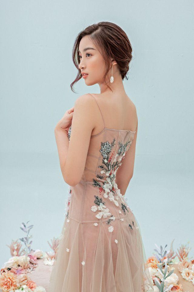 Hoa hậu Đỗ Mỹ Linh gợi cảm hơn sau tin đồn yêu thiếu gia - Ảnh 10.
