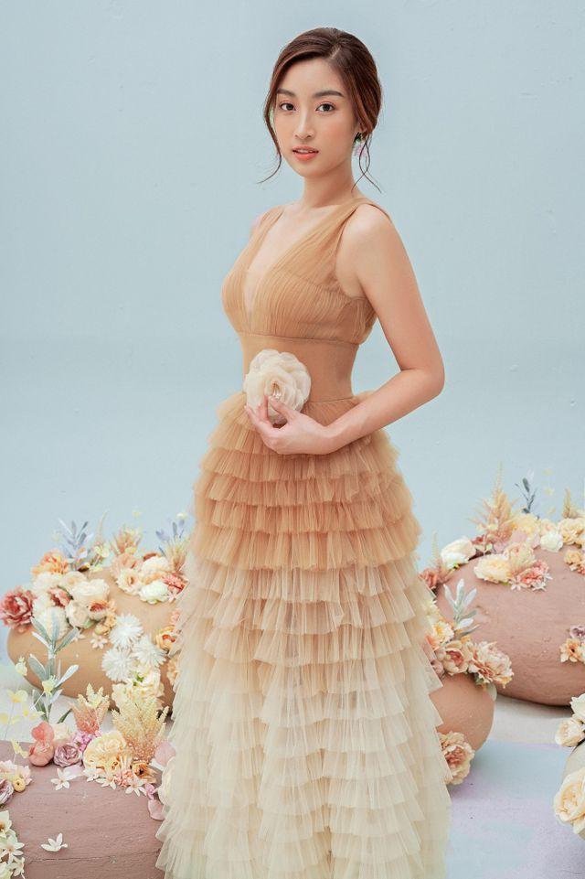 Hoa hậu Đỗ Mỹ Linh gợi cảm hơn sau tin đồn yêu thiếu gia - Ảnh 11.