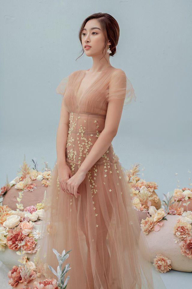 Hoa hậu Đỗ Mỹ Linh gợi cảm hơn sau tin đồn yêu thiếu gia - Ảnh 13.