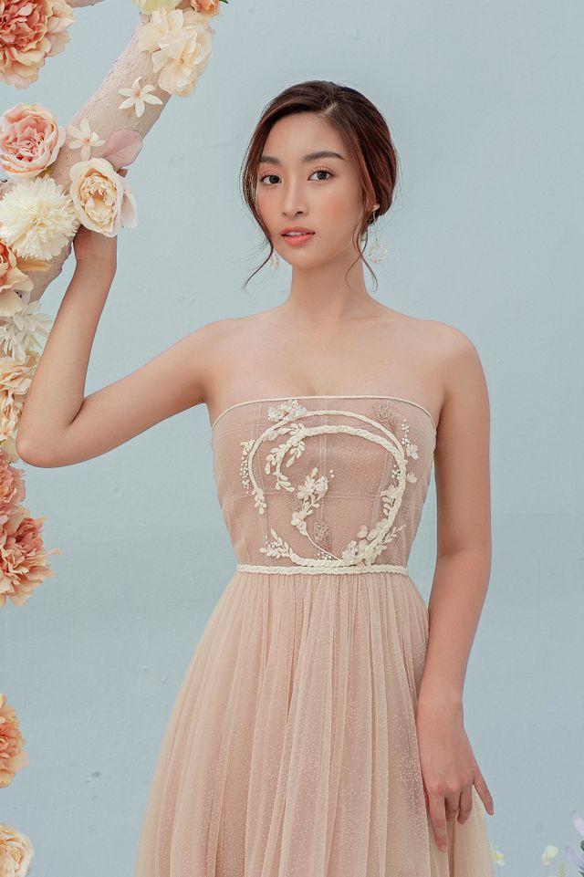 Hoa hậu Đỗ Mỹ Linh gợi cảm hơn sau tin đồn yêu thiếu gia - Ảnh 14.