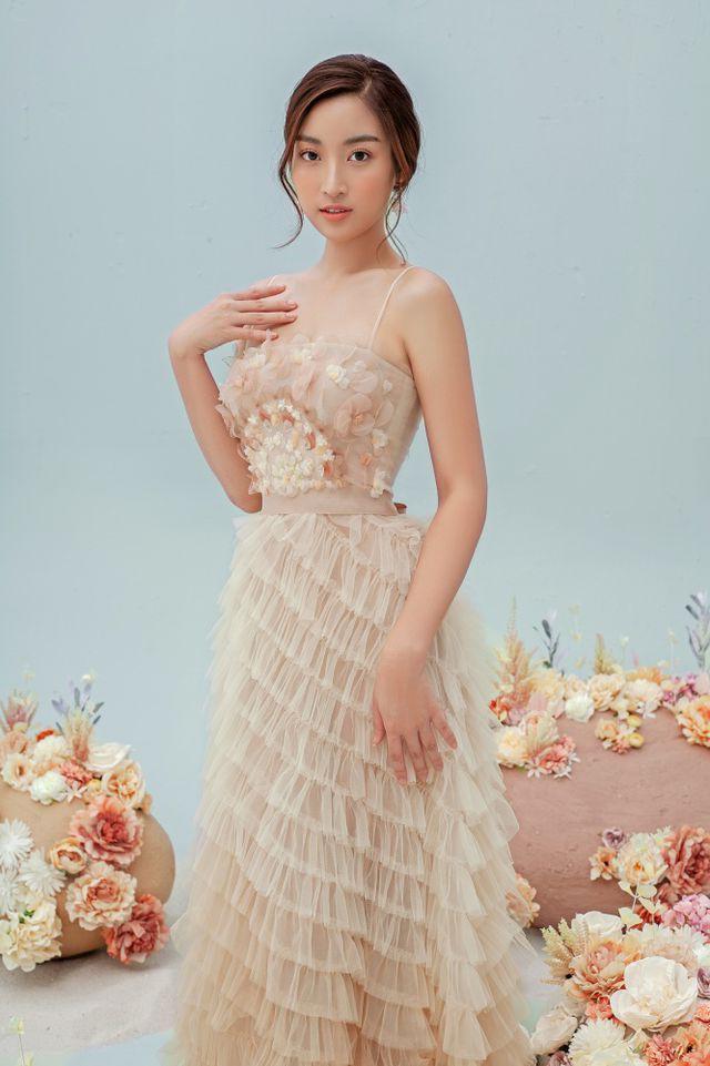 Hoa hậu Đỗ Mỹ Linh gợi cảm hơn sau tin đồn yêu thiếu gia - Ảnh 16.