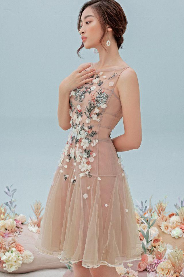 Hoa hậu Đỗ Mỹ Linh gợi cảm hơn sau tin đồn yêu thiếu gia - Ảnh 17.