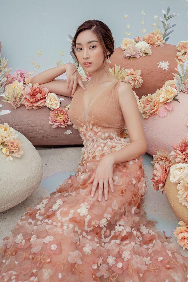 Hoa hậu Đỗ Mỹ Linh gợi cảm hơn sau tin đồn yêu thiếu gia - Ảnh 5.