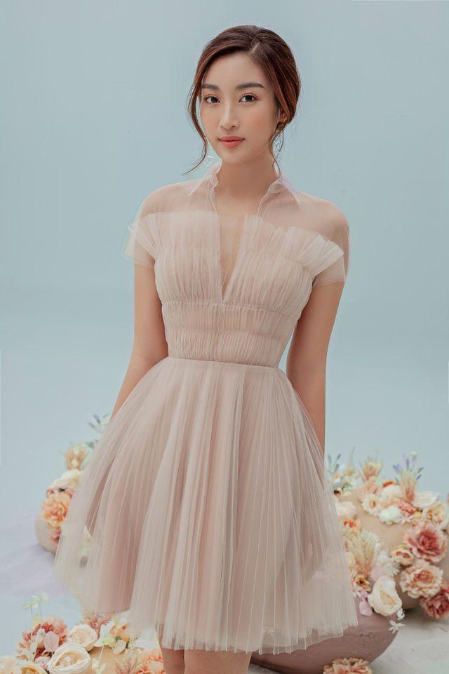 Hoa hậu Đỗ Mỹ Linh gợi cảm hơn sau tin đồn yêu thiếu gia - Ảnh 8.