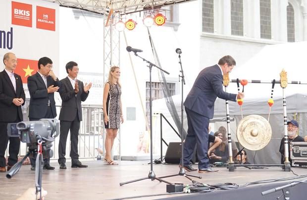 Đặc sắc văn hóa Việt Nam trong lễ hội Asian Weekend 2019 ở Slovakia - Ảnh 2.