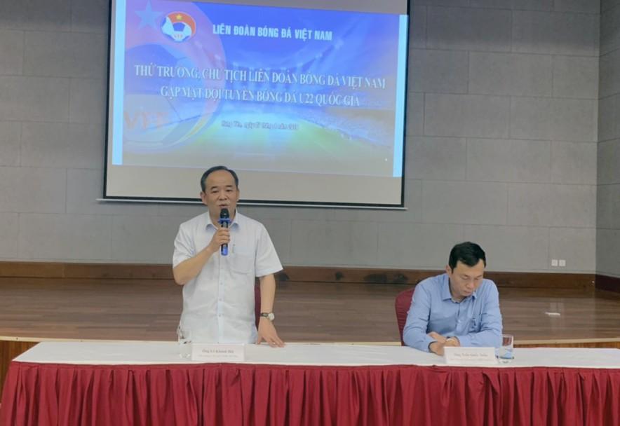 Thứ trưởng, Chủ tịch VFF Lê Khánh Hải thăm và động viên Đội tuyển U22 Việt Nam - Ảnh 3.