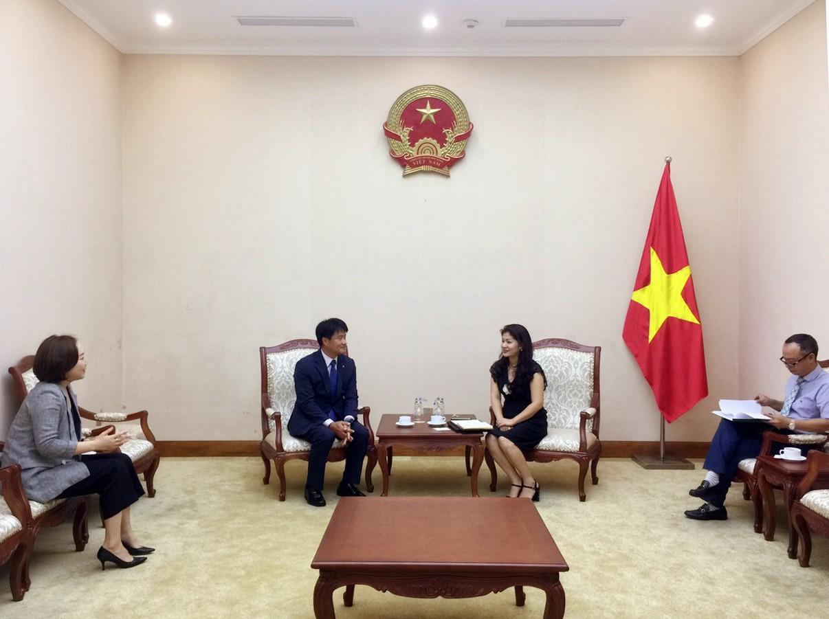 Cục trưởng Cục Hợp tác quốc tế tiếp Trưởng đại điện tập đoàn KUMHO tại Việt Nam - Ảnh 1.