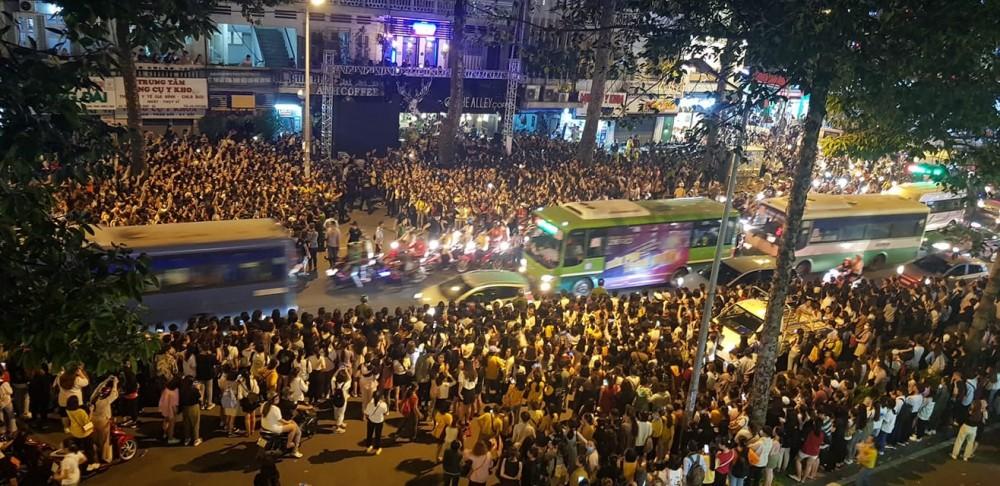 Fan tập trung quá đông khiến sự kiện bị hủy phút chót, Ji Chang Wook xin lỗi người hâm mộ - Ảnh 2.