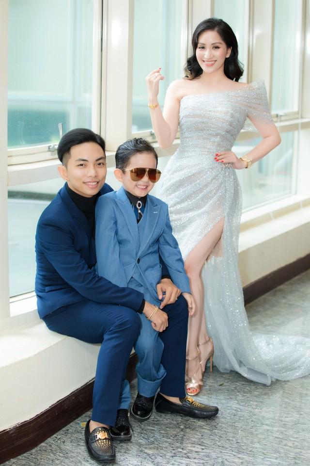 Khánh Thi tiết lộ anh trai nhận kỷ lục Việt Nam về chế tác violin bằng sứ - Ảnh 4.