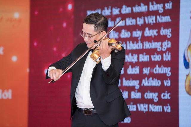 Khánh Thi tiết lộ anh trai nhận kỷ lục Việt Nam về chế tác violin bằng sứ - Ảnh 5.