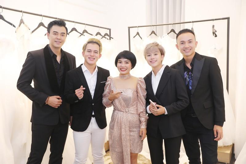 Xôn xao tin đồn 'Tomboyloichoi' Bảo Hân và Quang Anh đi thử áo cưới sau phim Về nhà đi con - Ảnh 1.