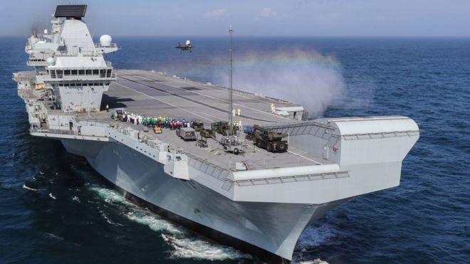 Việt Nam lên tiếng về thông tin Anh sẽ đưa tàu sân bay đến Biển Đông - Ảnh 1.