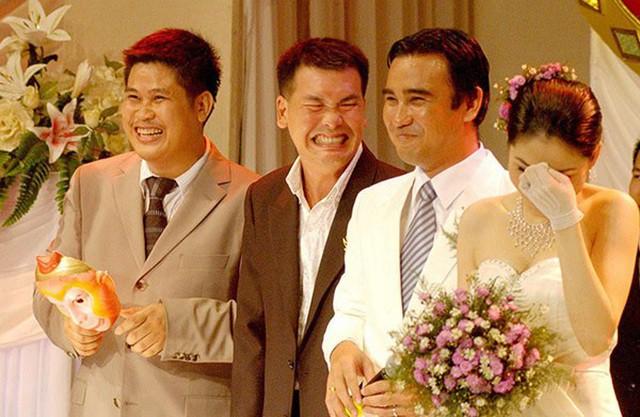 MC Quyền Linh chia sẻ hình ảnh đạp xích lô đi đón vợ khiến khán giả bất ngờ - Ảnh 6.