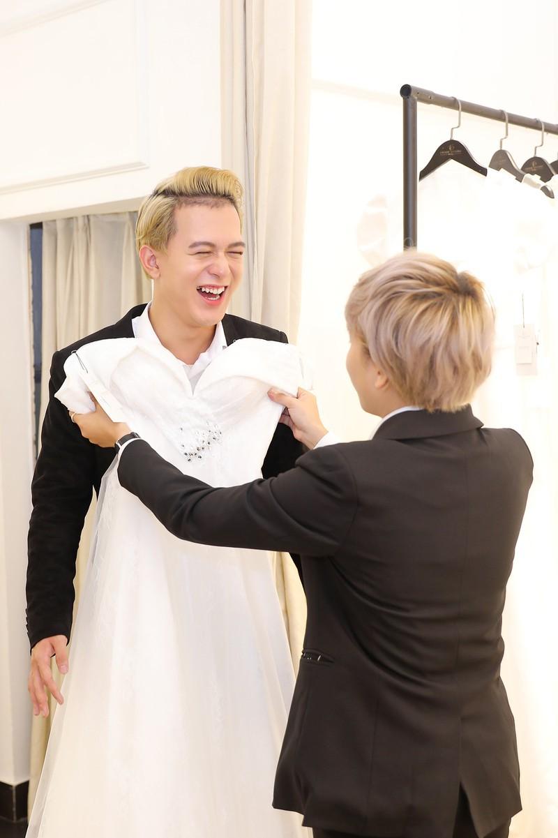 Xôn xao tin đồn 'Tomboyloichoi' Bảo Hân và Quang Anh đi thử áo cưới sau phim Về nhà đi con - Ảnh 9.