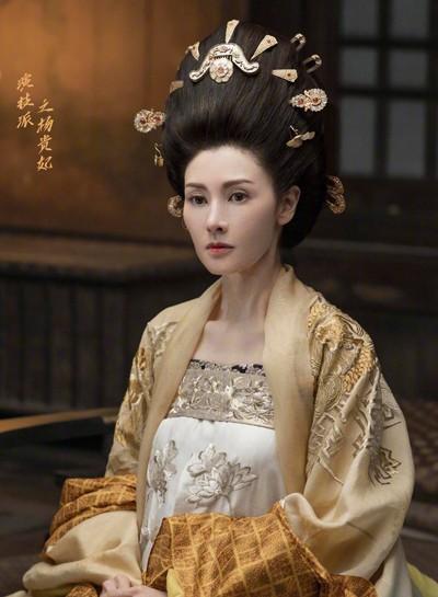 'Hoa hậu đẹp nhất Hong Kong' nhận cát-xê 7 triệu USD để tái xuất sau 10 năm - Ảnh 1.