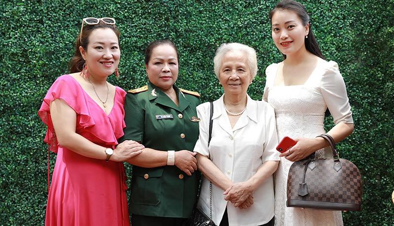 NSND Quang Thọ, Anh Thơ chúc mừng Rơ Chăm Phiang lên NSND - Ảnh 5.