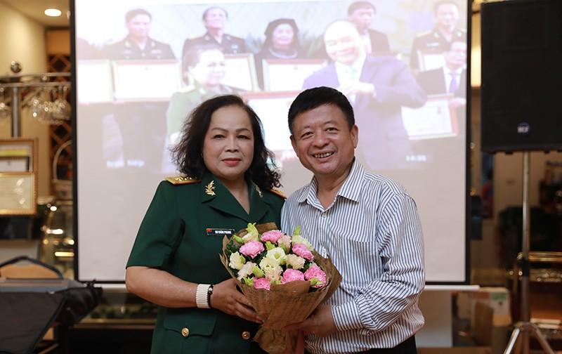 NSND Quang Thọ, Anh Thơ chúc mừng Rơ Chăm Phiang lên NSND - Ảnh 6.