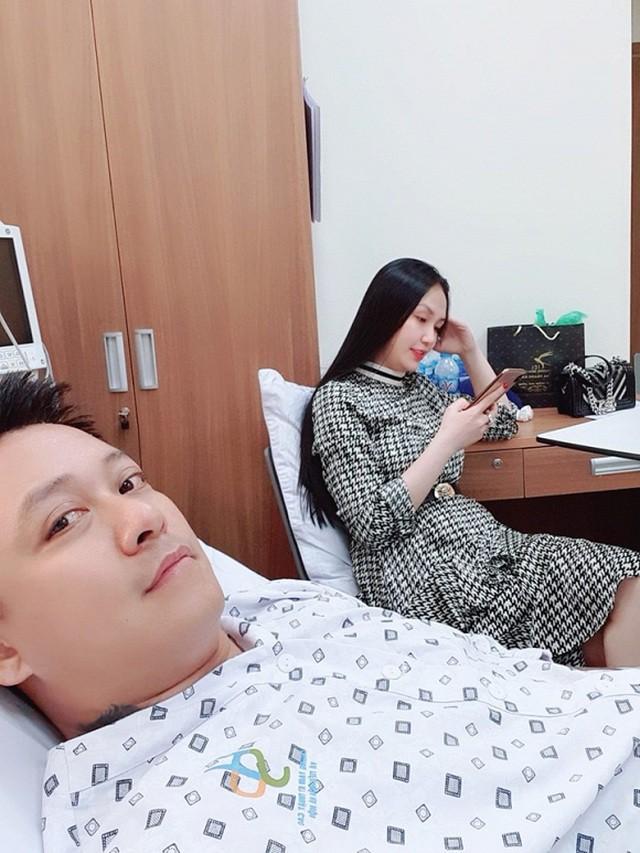 Ca sĩ Tuấn Hưng nằm viện, tiết lộ bị hở van tim - Ảnh 3.