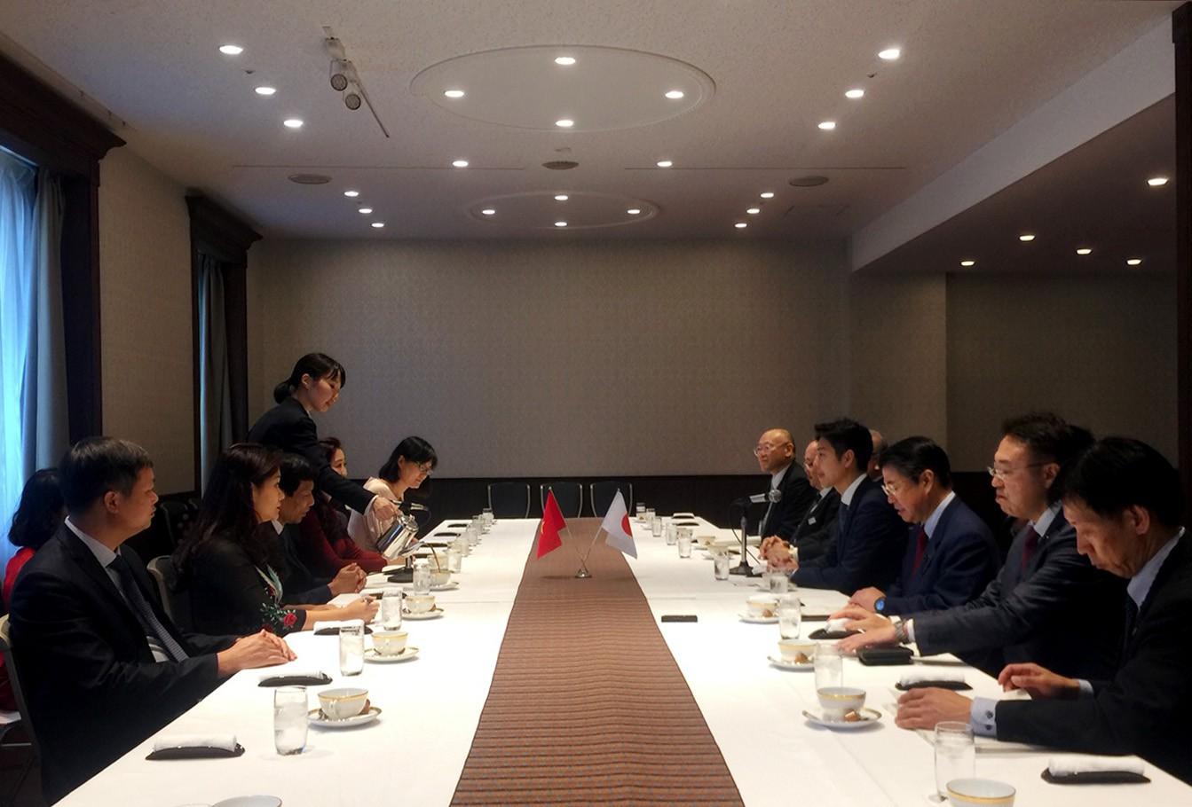 Thống đốc tỉnh Hokkaido tiếp và làm việc với Bộ trưởng Nguyễn Ngọc Thiện - Ảnh 1.