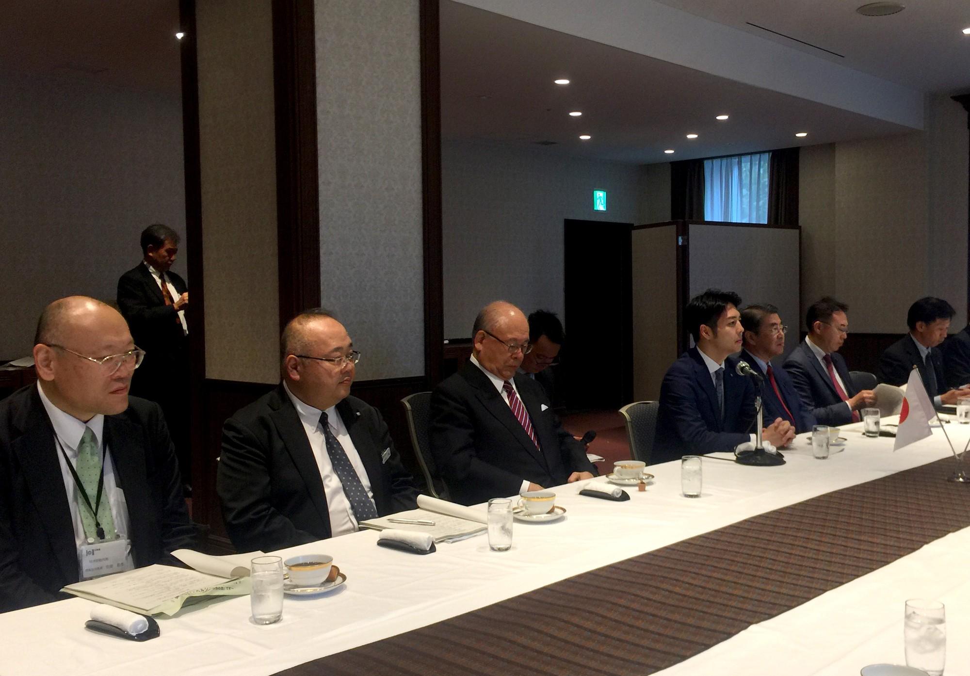 Thống đốc tỉnh Hokkaido tiếp và làm việc với Bộ trưởng Nguyễn Ngọc Thiện - Ảnh 3.