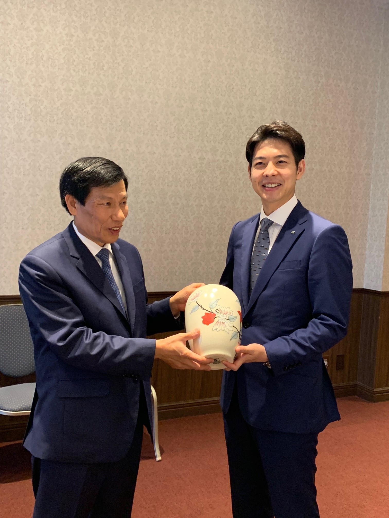 Thống đốc tỉnh Hokkaido tiếp và làm việc với Bộ trưởng Nguyễn Ngọc Thiện - Ảnh 4.