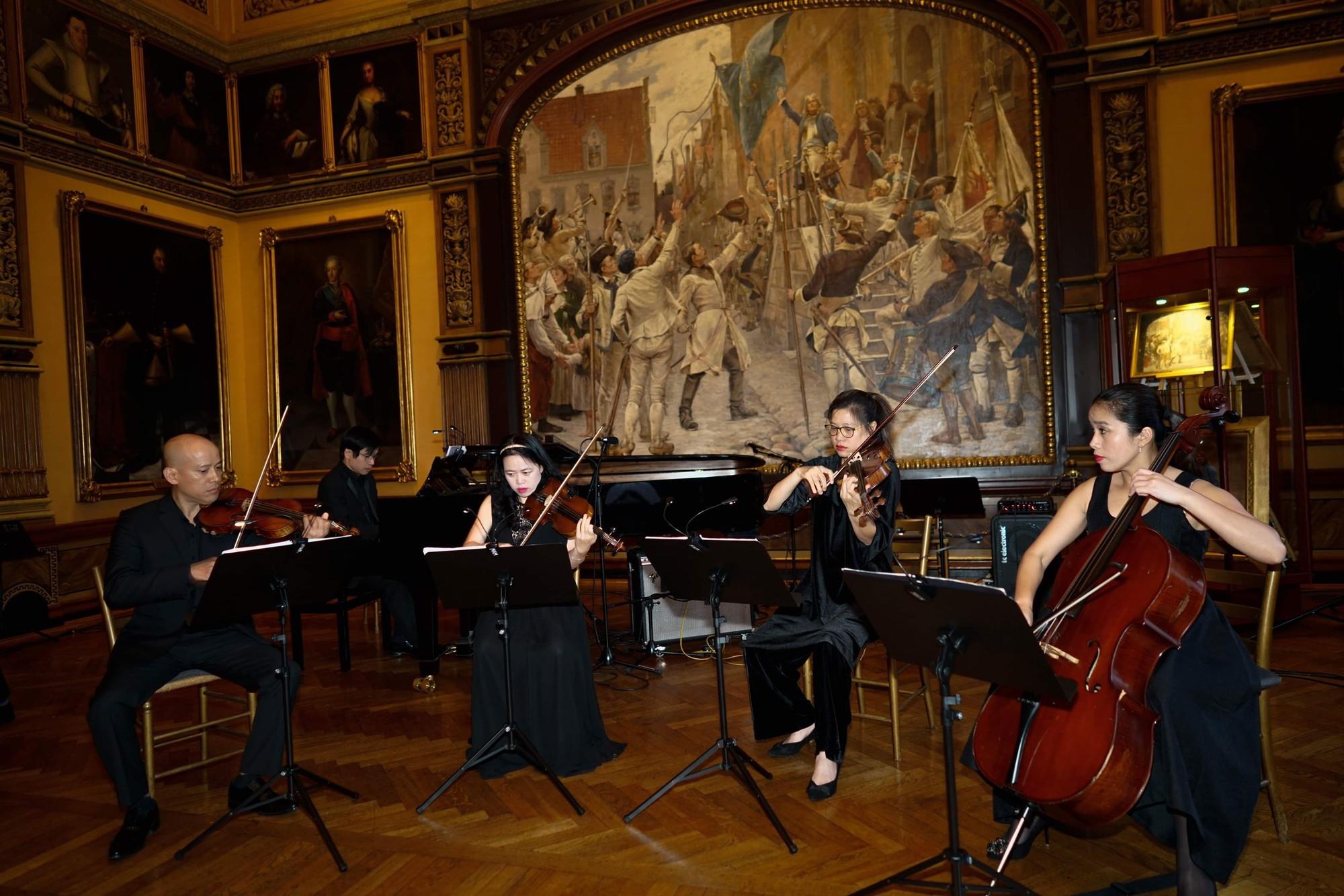 Chương trình hòa nhạc tại Tòa thị chính thành phố Malmo, Thụy Điển - Ảnh 1.