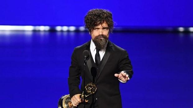 Những khoảnh khắc ấn tượng tại lễ trao giải Emmy Awards 71 - Ảnh 2.