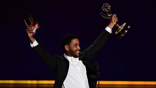 Những khoảnh khắc ấn tượng tại lễ trao giải Emmy Awards 71 - Ảnh 4.