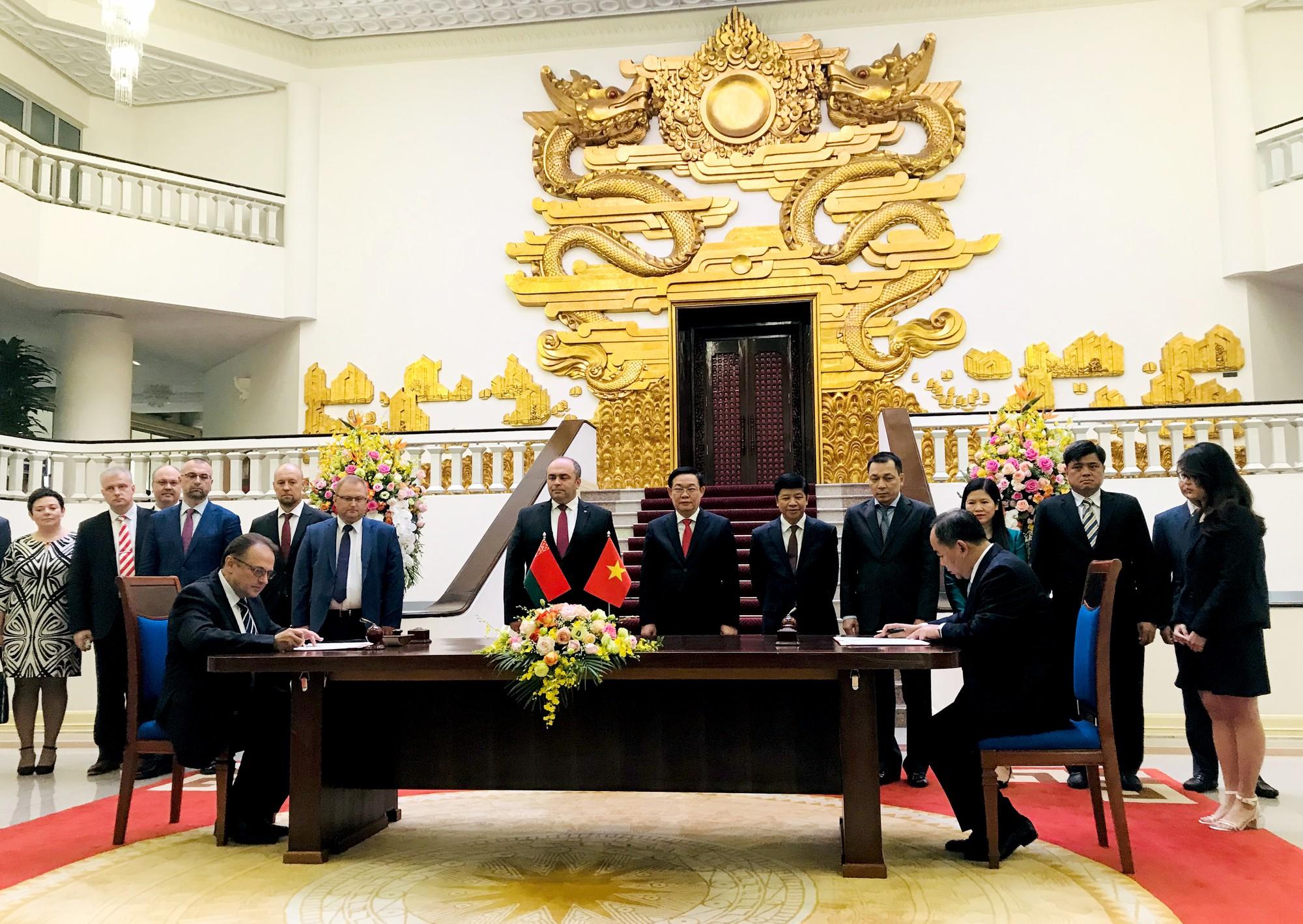 Việt Nam và Belarus ký chương trình hợp tác văn hóa giai đoạn 2020 - 2020 - Ảnh 1.