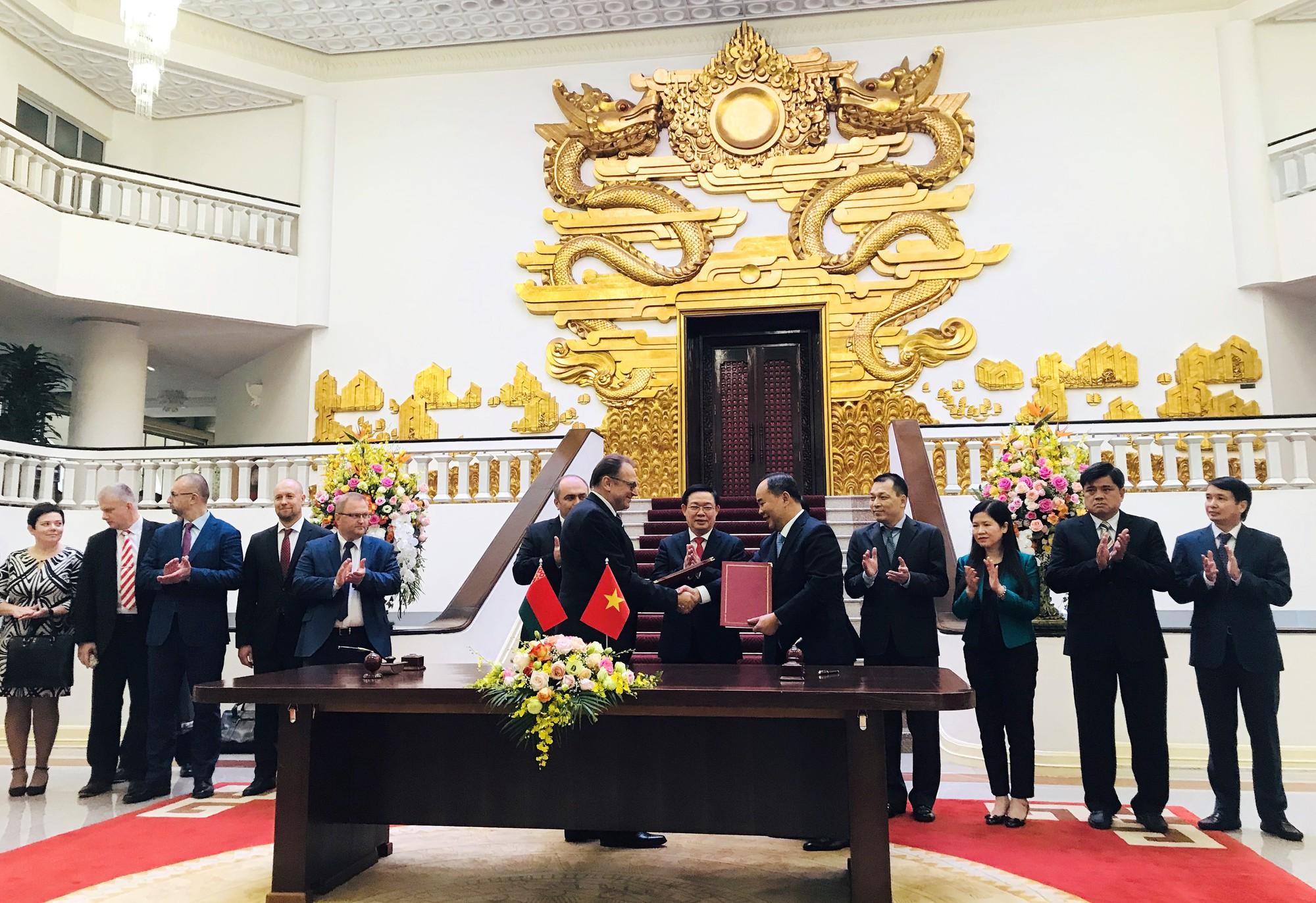 Việt Nam và Belarus ký chương trình hợp tác văn hóa giai đoạn 2020 - 2020 - Ảnh 2.