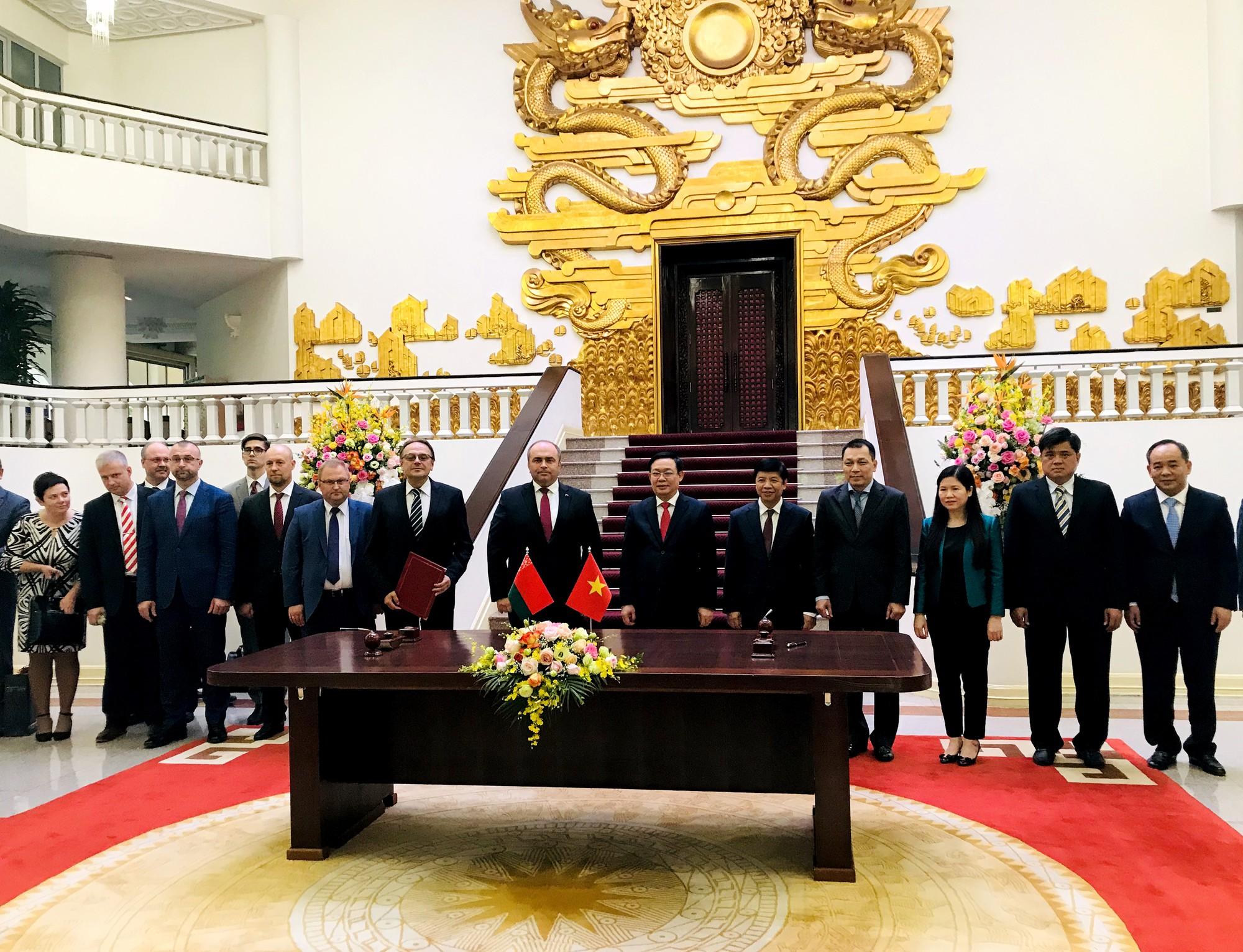 Việt Nam và Belarus ký chương trình hợp tác văn hóa giai đoạn 2020 - 2020 - Ảnh 3.
