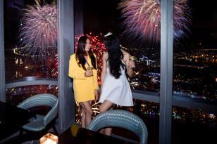Xem pháo hoa mừng Quốc khánh từ khách sạn cao nhất Đông Nam Á - Ảnh 12.