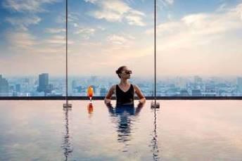 Xem pháo hoa mừng Quốc khánh từ khách sạn cao nhất Đông Nam Á - Ảnh 8.