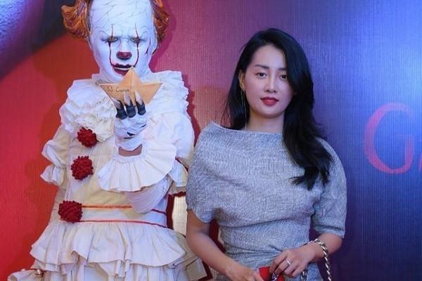 Dàn sao Việt quy tụ trong bữa tiệc kinh dị của 'Gã hề ma quái' - Ảnh 13.