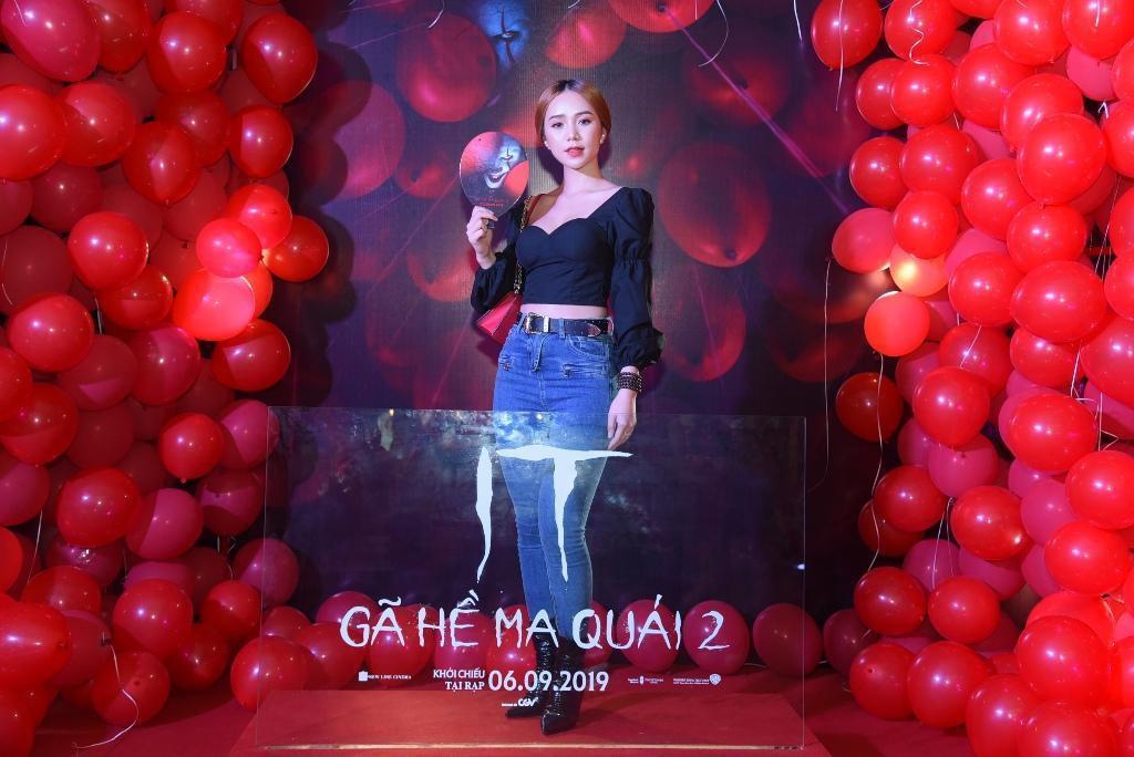 Dàn sao Việt quy tụ trong bữa tiệc kinh dị của 'Gã hề ma quái' - Ảnh 8.